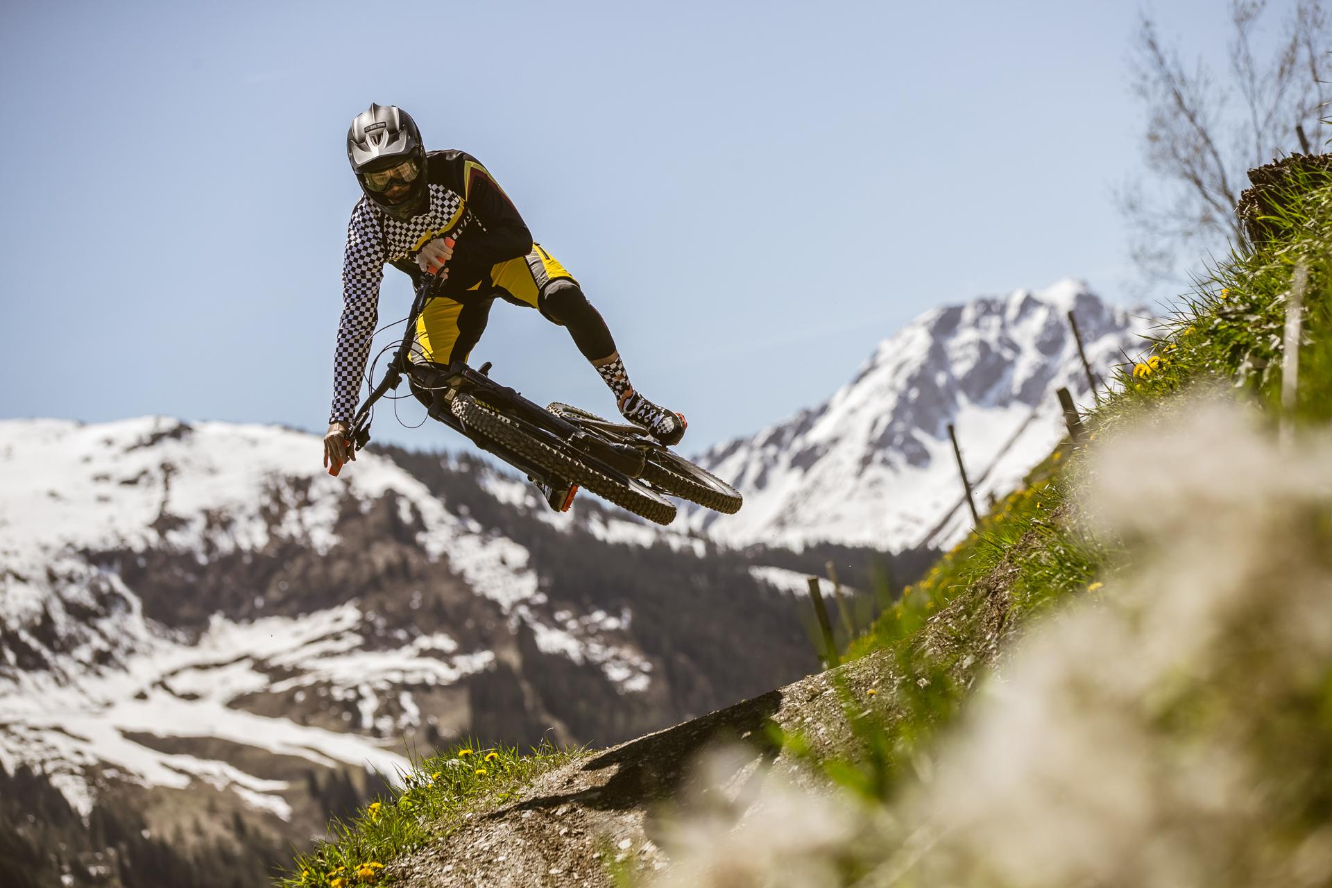 Downhill bike wear