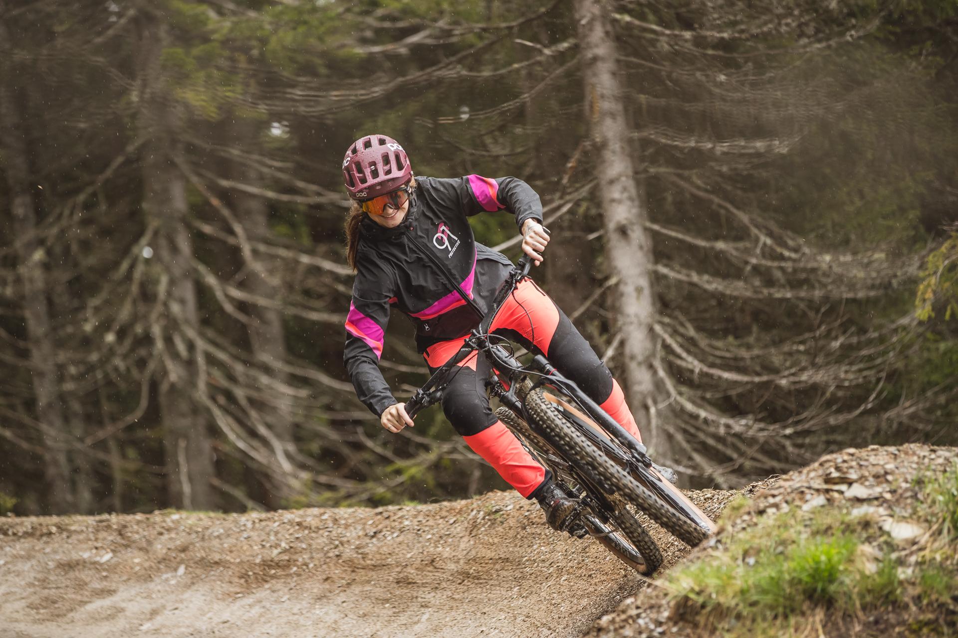 bike womanwear